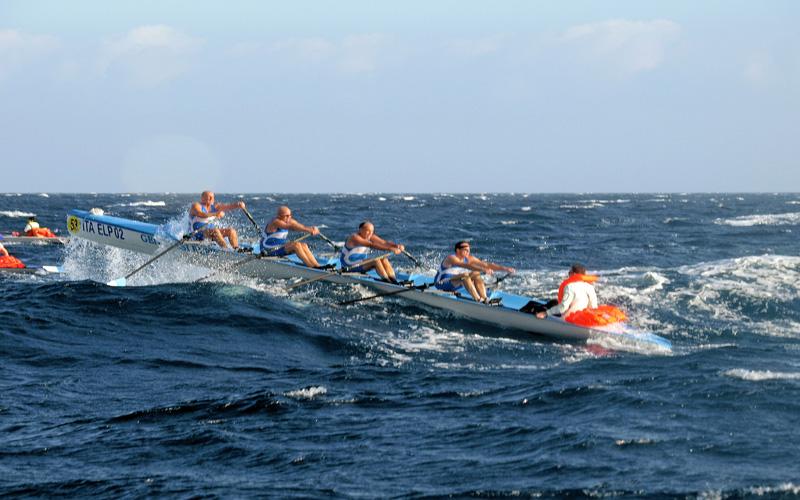 http://www.notizie.it/wp-content/blogs.dir/107/files/2011/10/A-Bari-i-campionati-del-mondo-di-Coastal-Rowing-2011.jpg