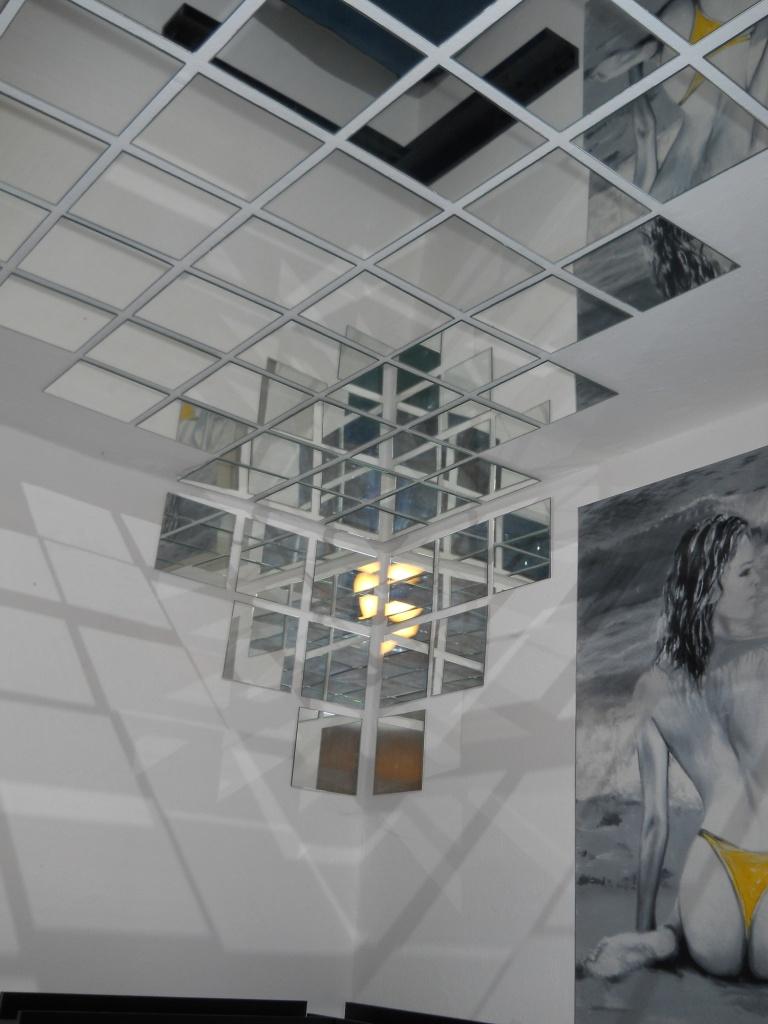 Specchi sul soffitto il compromesso tra voyeurismo e for Stendibiancheria soffitto leroy merlin