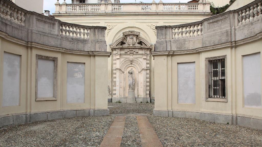 cortile palazzo Birago1