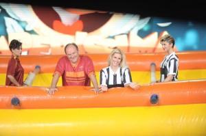 Gerry e Michelle nel calcio balilla 8374 300x199