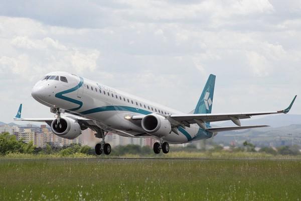 first embraer 195 jet air dolomiti 600x400