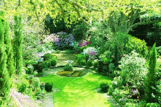 Il giardino verde smeraldo rappresenta un sogno immenso for Progettare il giardino di casa