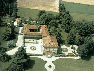 La villa di silvio berlusconi ad arcore for Piscina arcore