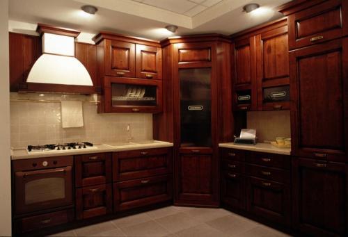 Moderna cucina classica Medium, dotata di ogni confort tecnologico ...