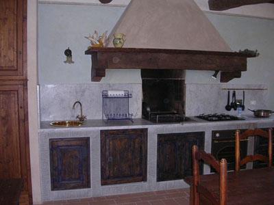 Moderna cucina in muratura realizzata dalla ditta ragoni costruzioni - Cucina muratura moderna ...