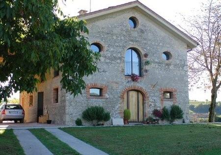 Una moderna casa in campagna immersa nel verde for Miglior piano casa del ranch di sempre