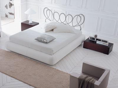 Moderna camera con letto in pelle bianca - Camere da letto in pelle ...