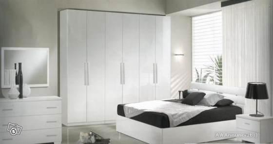 Moderna camera da letto bianca - Notizie.it