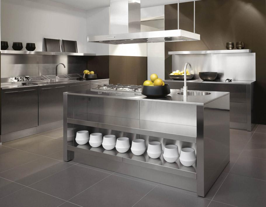 Moderna cucina Geo della Berloni in acciaio inox - Notizie.it