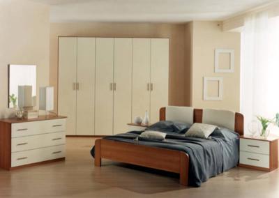 Semplice camera da letto realizzata in arte povera for Camera da letto arte povera