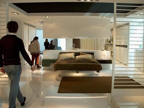 Casa moderna con interni rinomati ed altamente innovativi - Pintura casa moderna ...