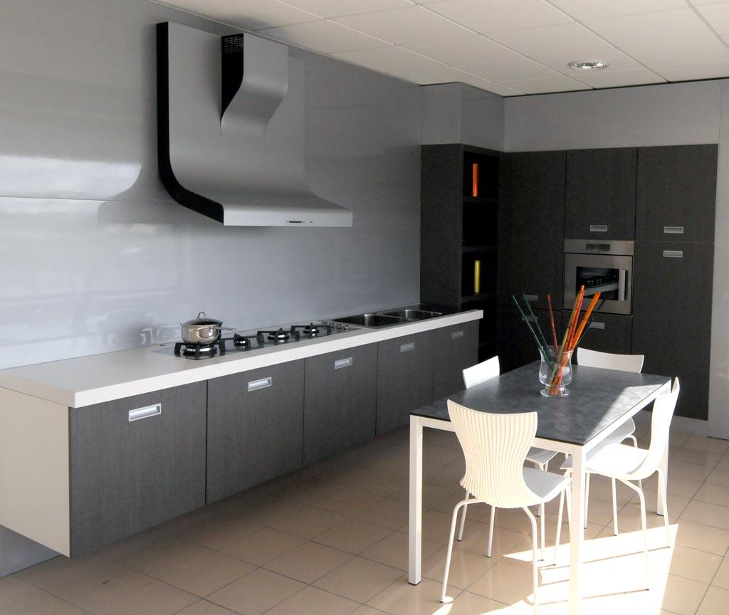 Cucina Realizzata Con Materiali E Finiture Di Pregio E Di Alta  #7A6751 1024 864 Cucine Moderne Di Alta Qualita