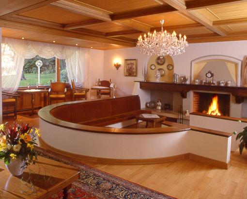 Salotto Antico Con Camino : Moderno salotto realizzato con stile ed eleganza notizie