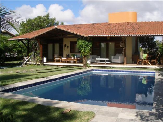 Moderna ed esclusiva casa con piscina e giardino for Costo per costruire una casa piscina con bagno