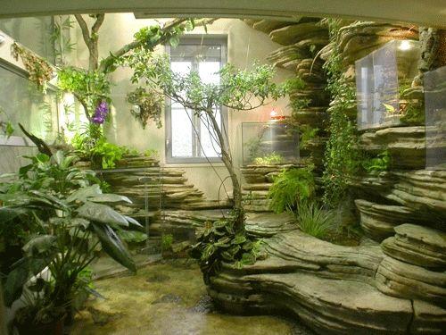 Moderna ed innovativa casa con giardino interno - Piante camera da letto ...