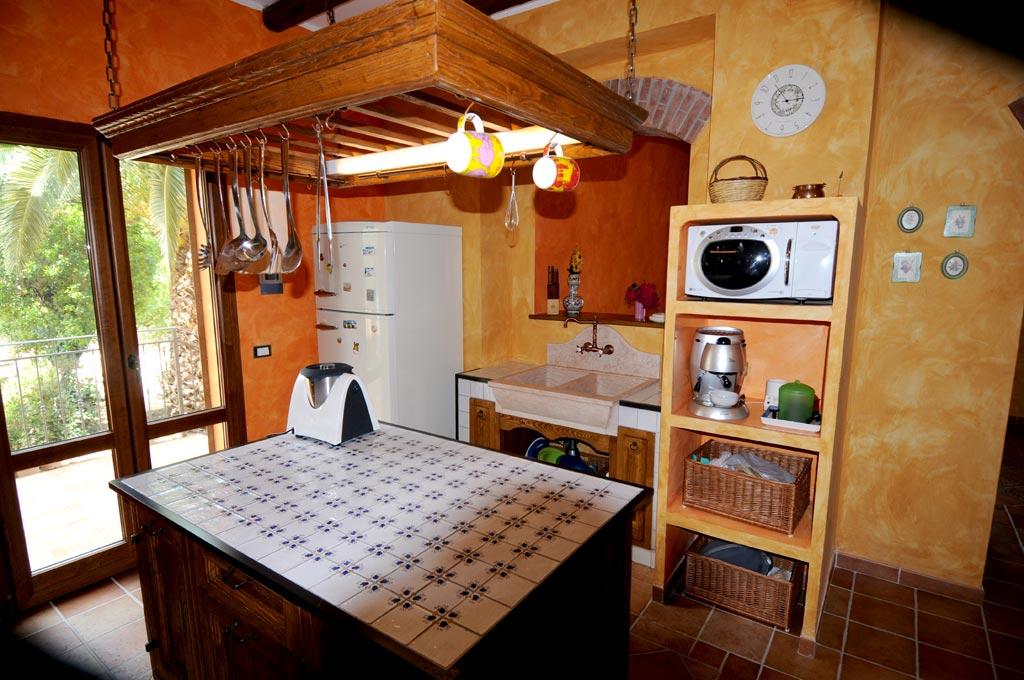 Mattonelle Rustiche Per Cucina. Mattonelle Cucina Moderna Per In ...