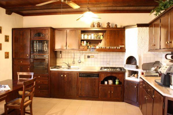 Moderna ed elegante cucina rustica for Piani di casa contemporanea rustica