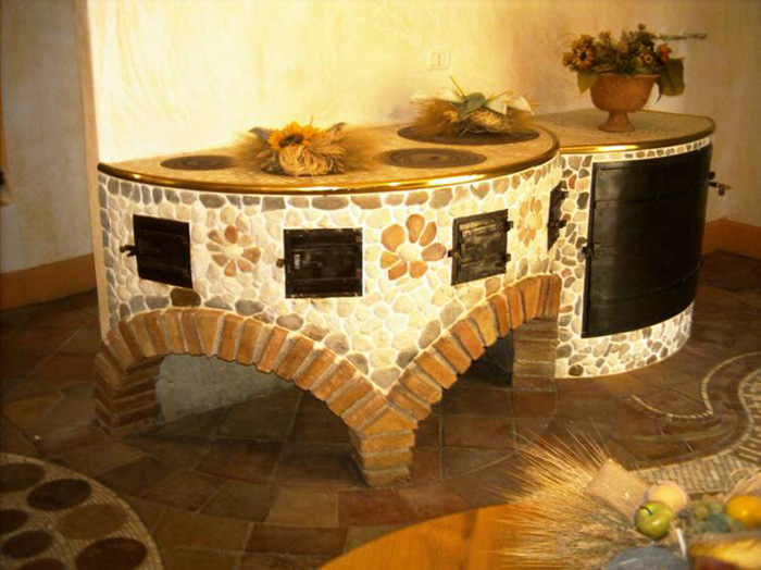Moderna ed esclusiva cucina rustica in muratura vera for Arredamento casa rustica