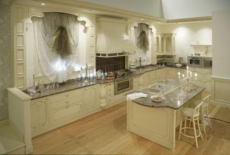 La ditta arredamenti violi propone esclusiva cucina - Cucina barocco veneziano ...
