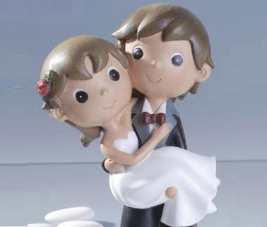 Oggi sposi, tradizione: portare in braccio la sposa oltre la soglia