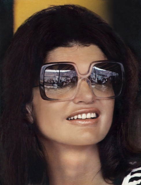 BIGjackie kennedy con occhiali nina ricci.jpg