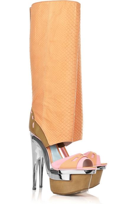 Versace kinky boots - Kinky boots decisamente diversi ...