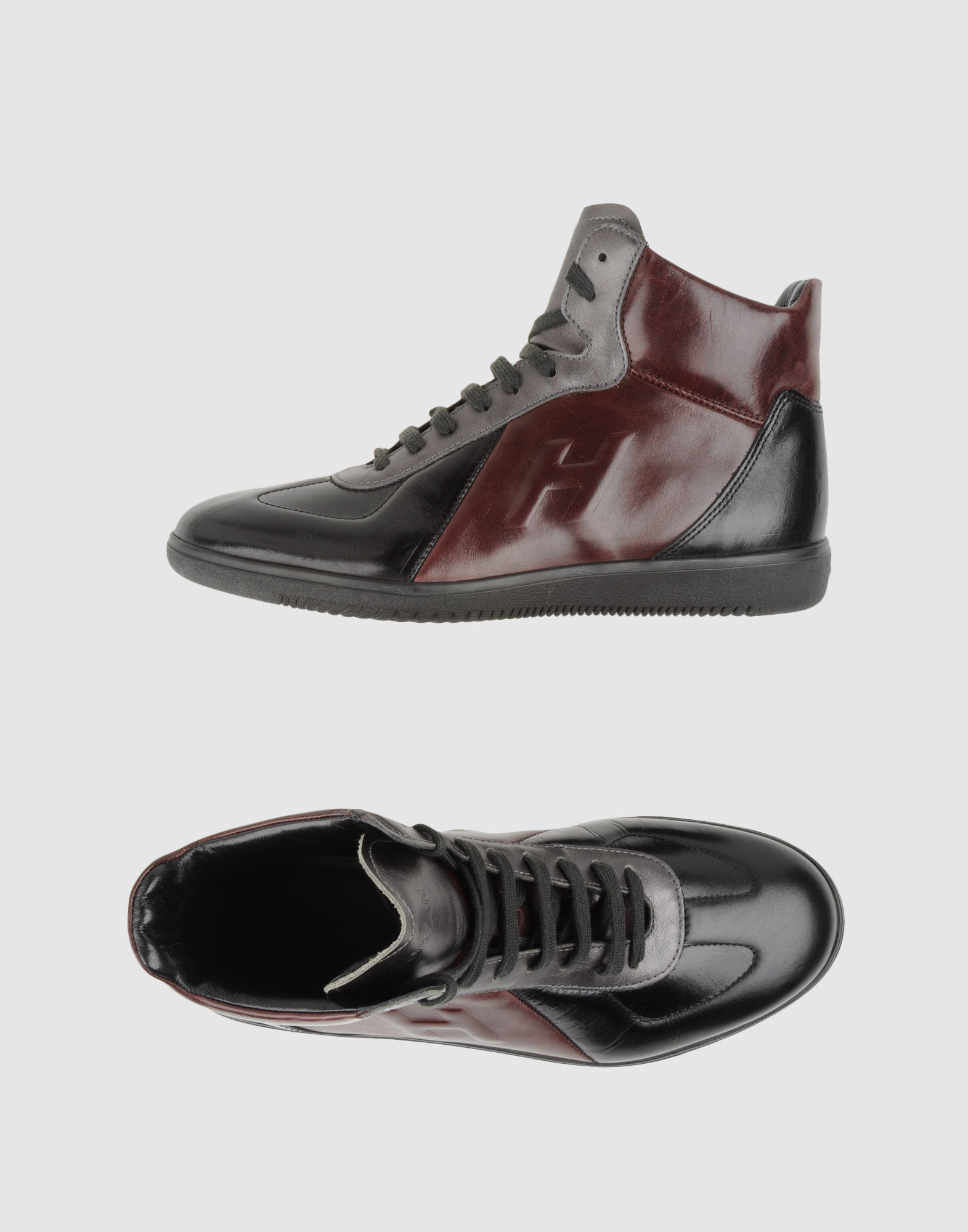 Scarpe online ♥ We feel shoes ♥ We love shoes ♥ We are shoes ♥ Con più di marche e più di modelli, gli amanti delle scarpe e dello shopping troveranno sicuramente il paio di scarpe che fa per loro da Sarenza.