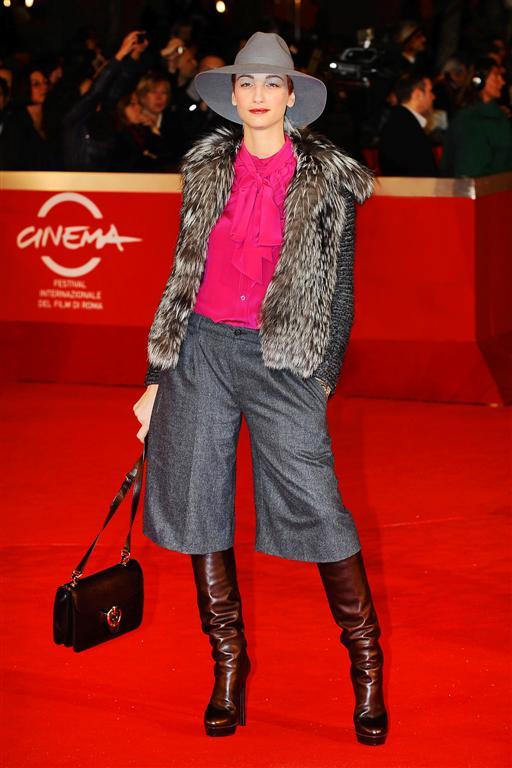 Roma Film Festival 2011: Francesca Inaudi in scarpe stivali Gucci