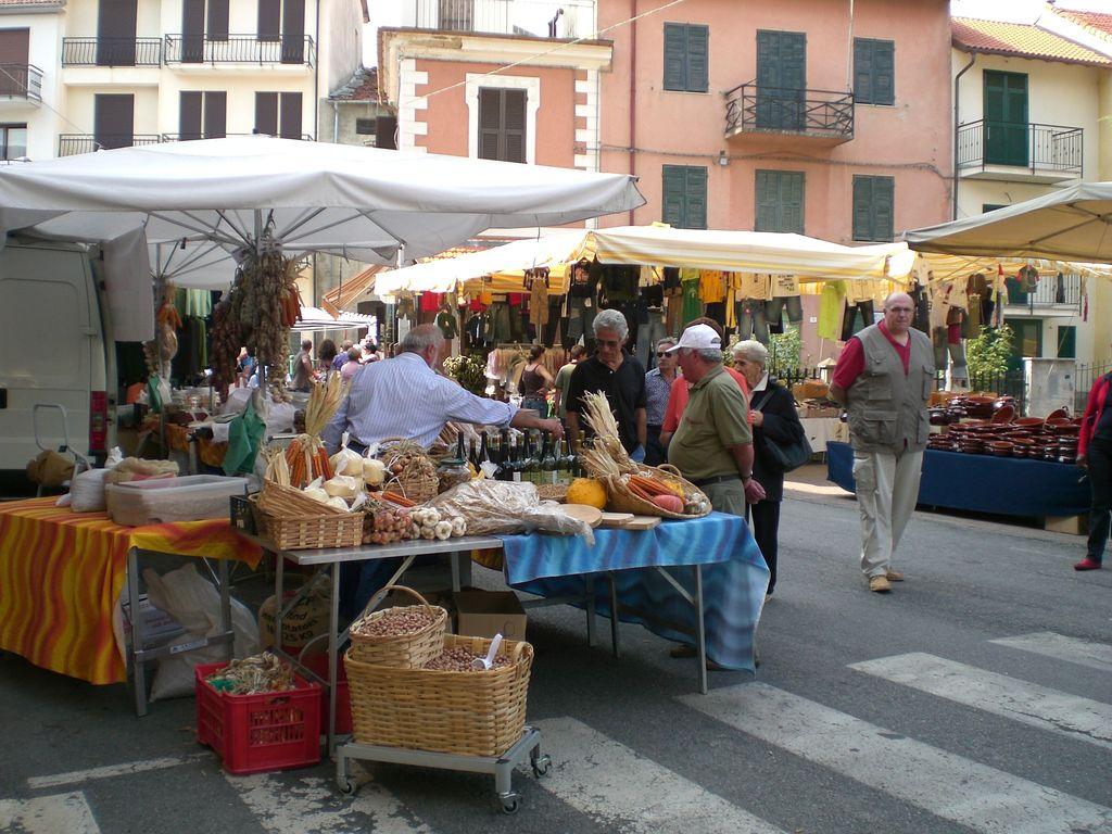 Fiere e mercatini domenica 27 giugno for Mercato domenica milano