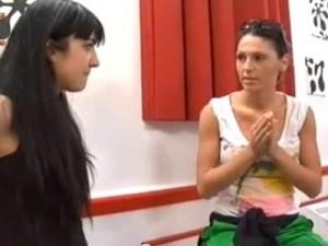 Anna Tatangelo vs Dorina 300x225