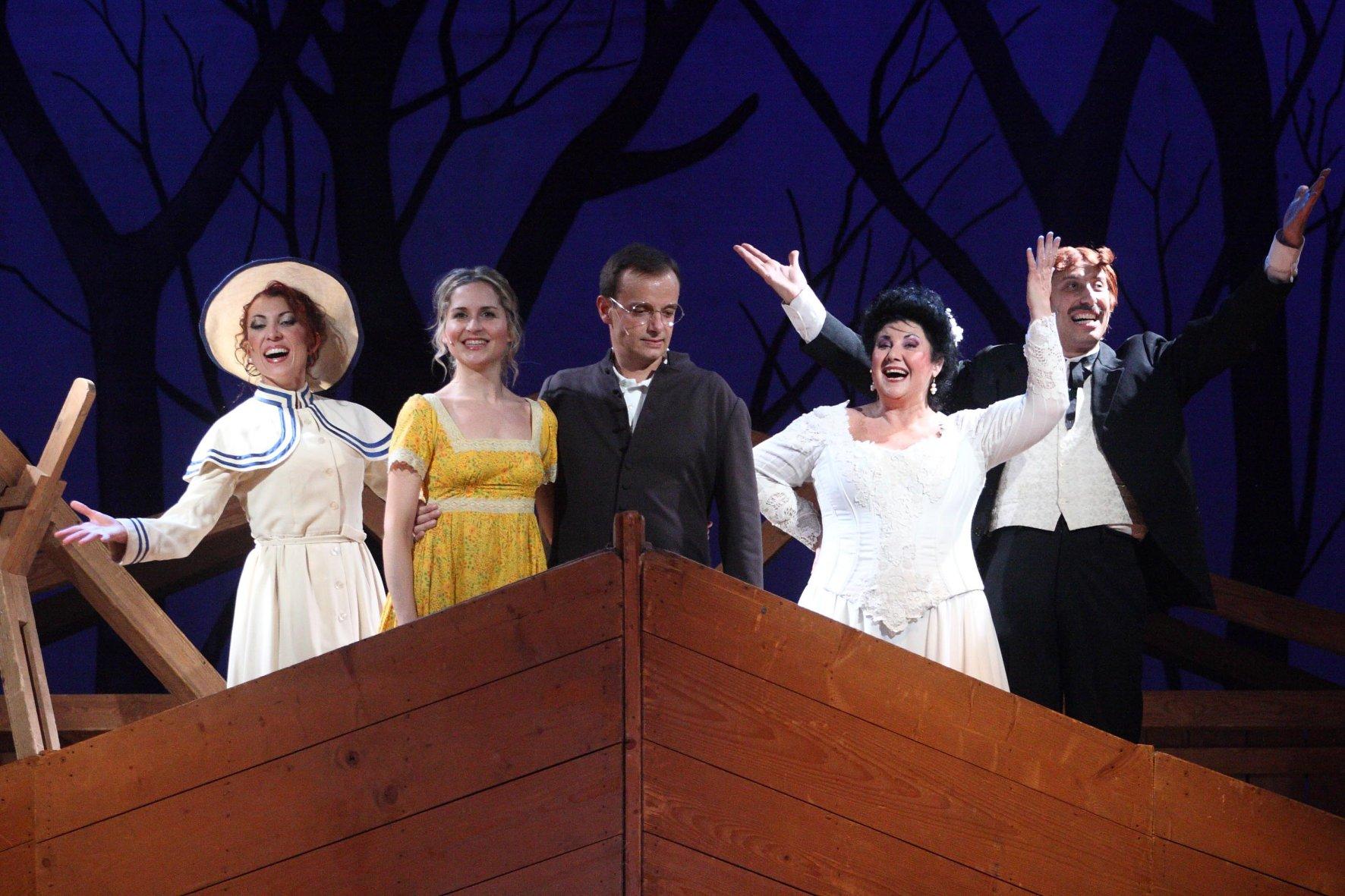 Foto protagonisti stagione 2010-2011 Teatro Ventaglio