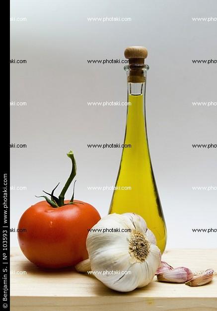 di pomodoro olio d oliva e aglio testa 103593