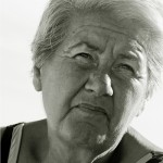 Quali sono le cause della sudorazione notturna negli anziani?