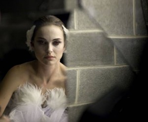 Black Swan Natalie Portman 300x247