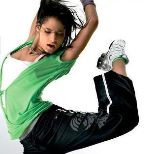 aerobica per perdere peso ballando musica moderna