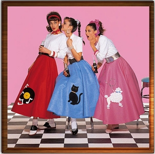 1950s fashion for women poodle skirts