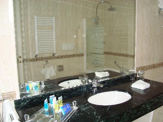 Quali articoli da toletta servono per il bagno for Articoli da bagno