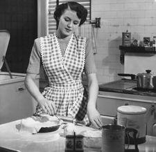 Abiti delle casalinghe negli anni 39 50 for Cucinare anni 50