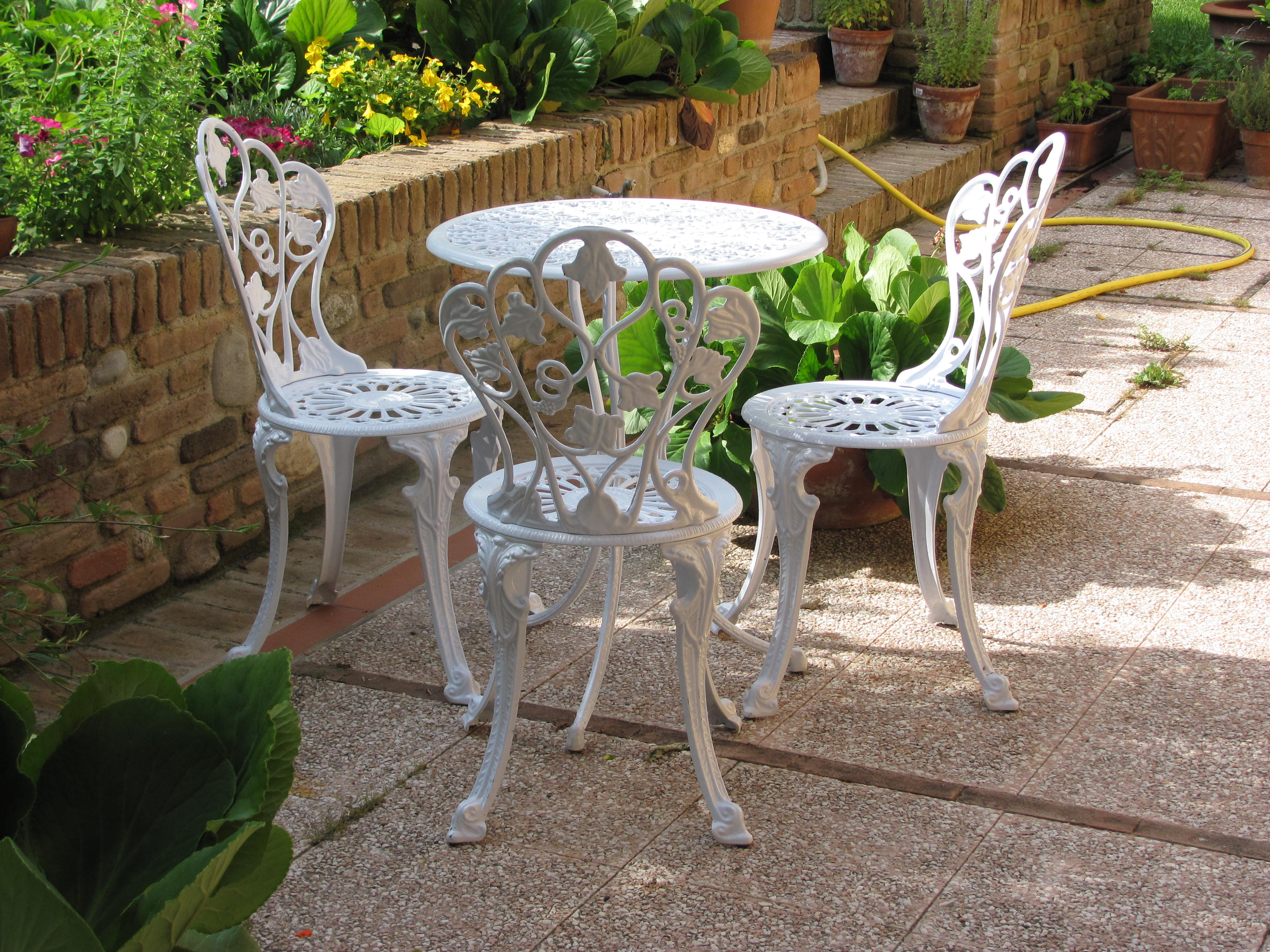 Sedie in ferro battuto da giardino guida all 39 acquisto - Set da giardino ferro battuto ...