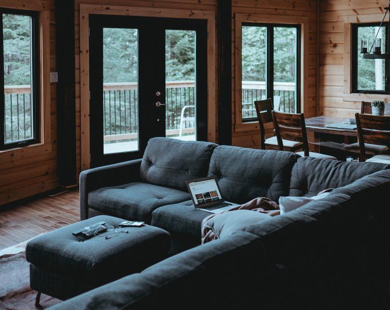 Quale materiale è il più resistente per i divani? notizie.it