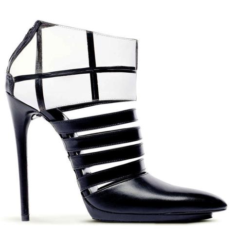 Balenciaga: ankle boots bianchi e neri a fasce, Collezione Autunno/Inverno 2011/2012