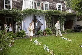 Come decorare la ringhiera esterna con il tulle per un matrimonio - Notizie.it