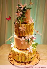 Torta nuziale ispirata alla foresta pluviale