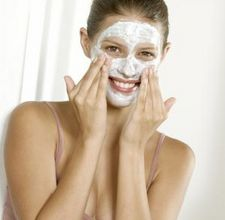 article page main ehow images a04 l7 94 avocado carrot cream face mask 800x8001