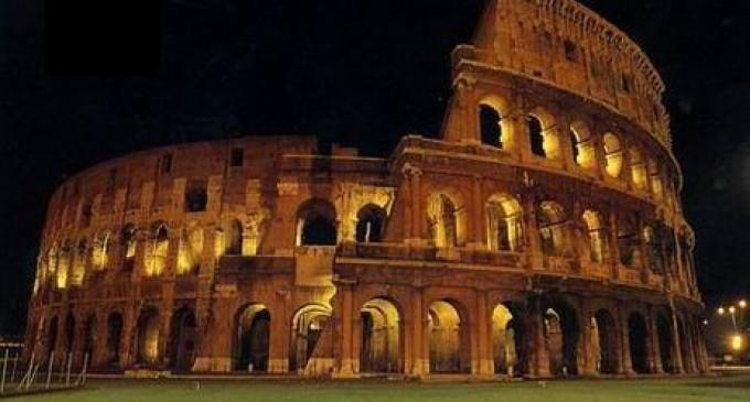 Protesta contro pena di morte: Colosseo illuminato