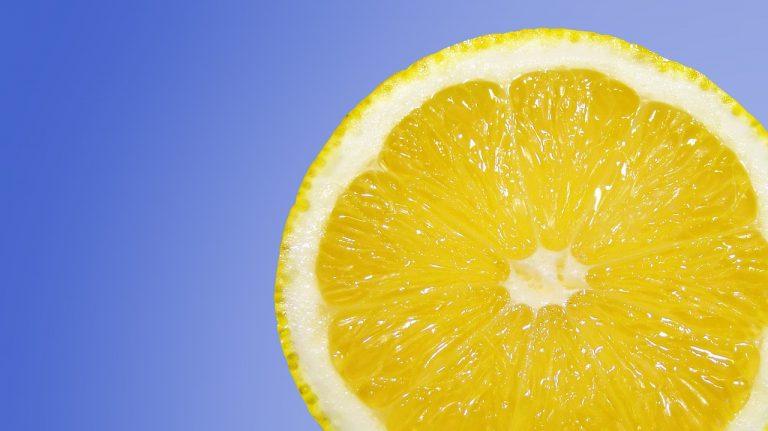 succo di limone sulle cicatrici