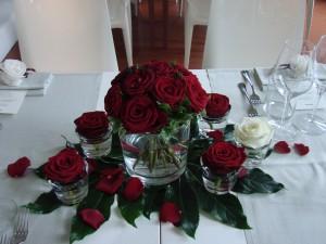 Centrotavola con rose 300x225