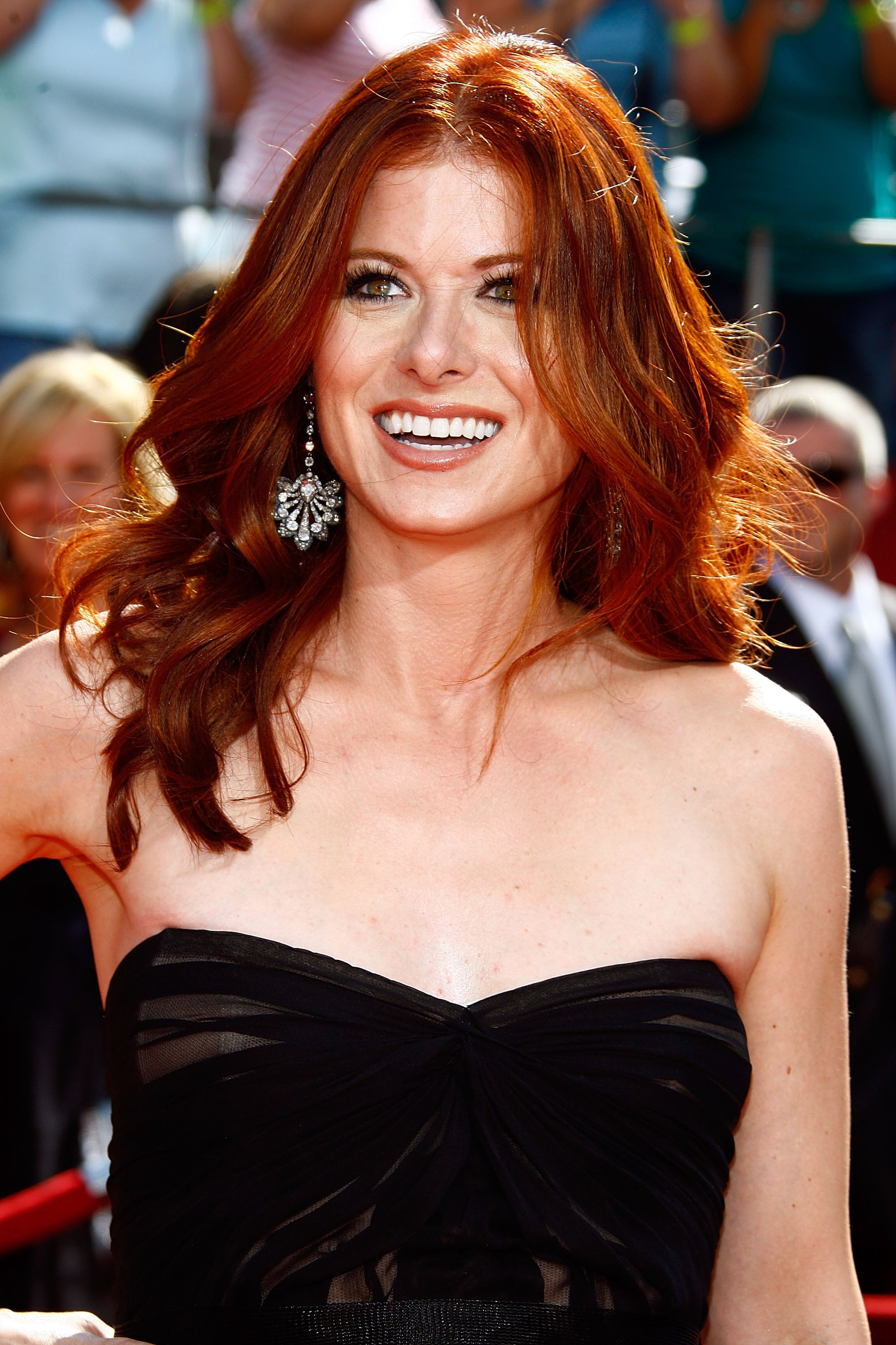 Debra debra messing 2388176 1707 2560