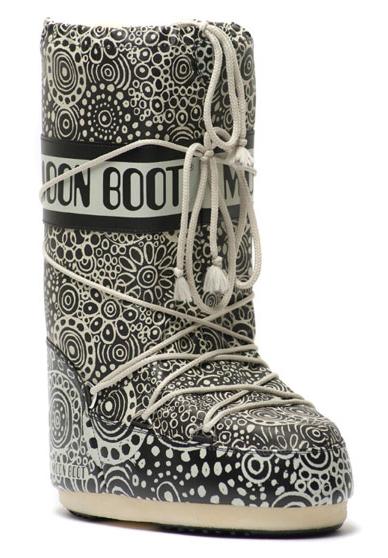 """Moon Boot e 10 Corso Como: doposci Edizione Speciale con il logo """"10 Corso Como 20 Years"""" per il 20. Anniversario del negozio"""