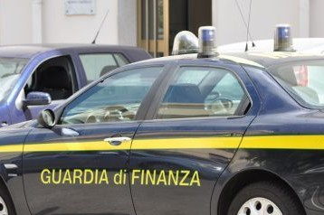 Una pattuglia della Guardia di Finanza